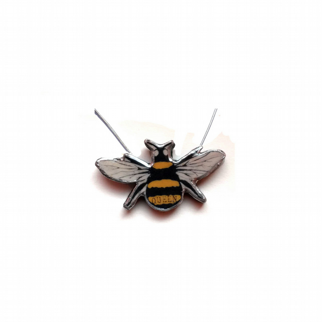 Queen Bee Necklace Whimsical Jewellery by EllyMental