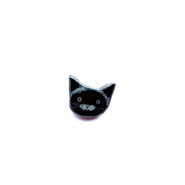 Big black cat Resin Brooch by EllyMental