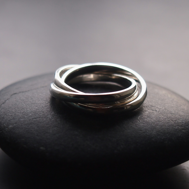 Rolling Ring in Sterling Silver