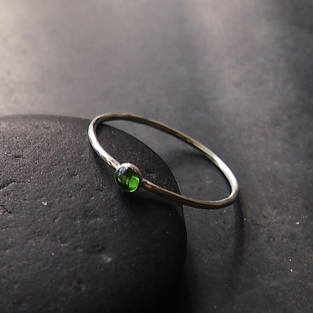 Sterling Silver Skinny Ring with Chrome Diopside