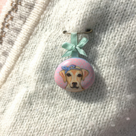 Belle the golden labrador, handpainted dog brooch on pebble