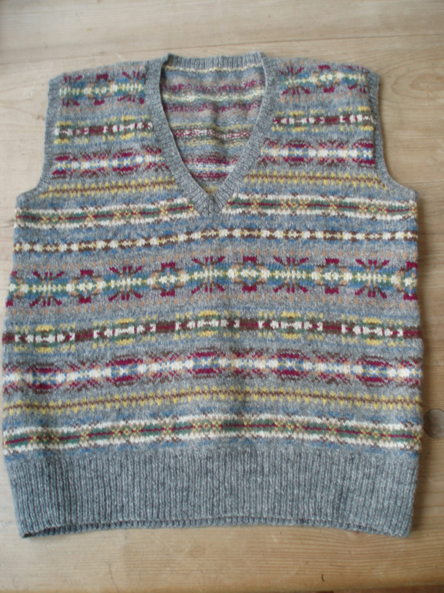 Handknitted Fairisle Patten Ladies Slipover Jumper