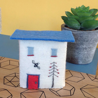 Miniature 'Bee House' Town House