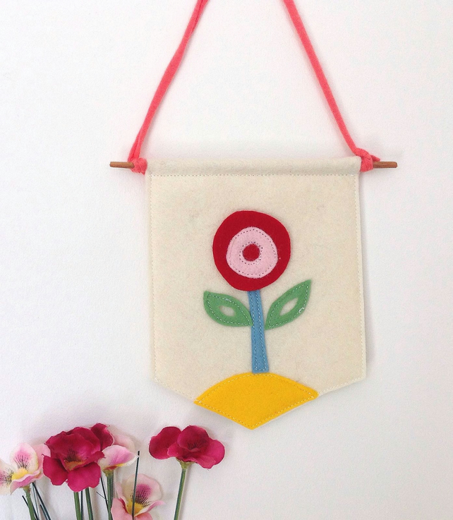 Scandi Design Flower Mini Felt Banner