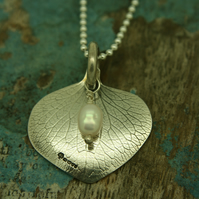 Hydrangea Petal pendant with pearl