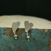 Heart stud earrings with grey pearl drops