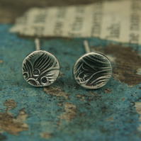 Paisley imprinted little round earrings