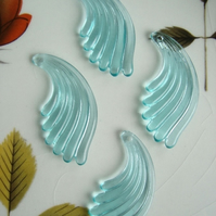 4 Vintage Plastic Wing Beads