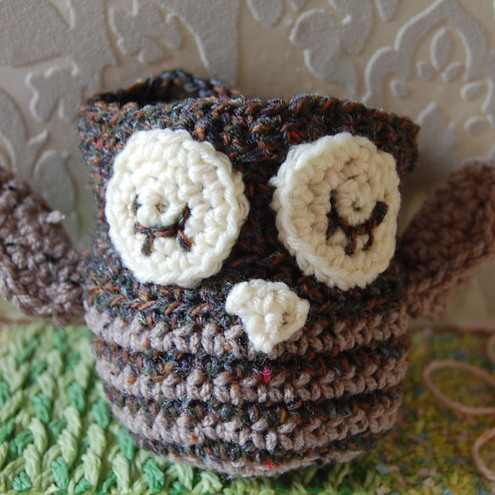 Crocheted Owl Apple Cosy