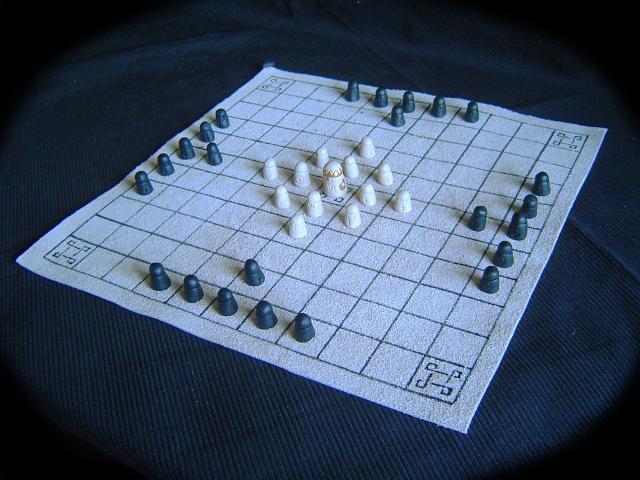 Travel Hnefatafl