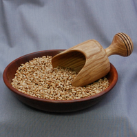Wooden Scoop in English Olive Ash