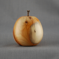 Apple in English Yew