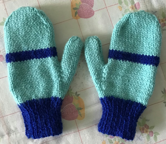 Bright cheerful children's Mitts, Warm and Cosy Mitts for cold Mornings, 4-7 yrs