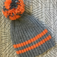 Grey & Orange hat with bobble for 3-6 years, autumn colours