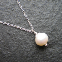 Bridal Wedding Jewellery - Pearl Pendant Necklace
