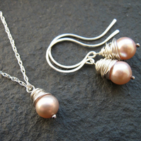 Peach Pearl Jewellery Set - Necklace and Earrings