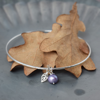 Silver Bracelet with Pearl & Leaf Charm - Nature Jewellery handmade in Yorkshire