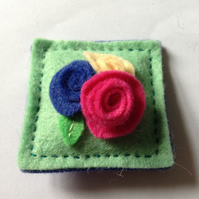 Square Brooch with rolled flower Trio