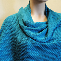 Pure Cotton Lacy Shawl in Jade