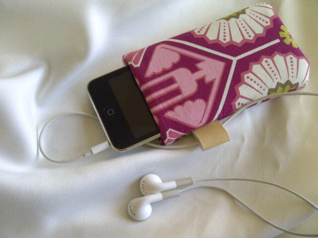 Pink Pattern iPod Case.