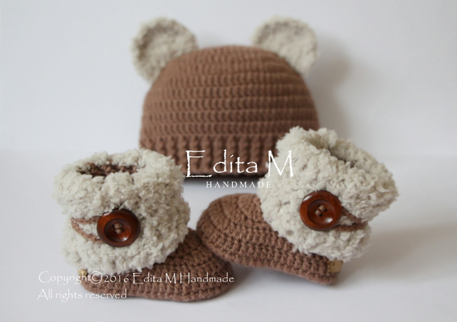 Unisex baby set, baby booties, shoes, bear hat, fur shoes
