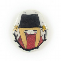 'Welsh lady' Illustrated brooch- large