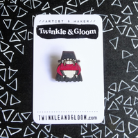 Dinky Printed Wood Brooch- Welsh Lady