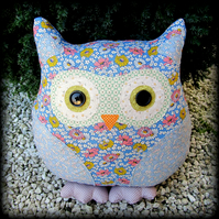 Eliza, large owl cushion.