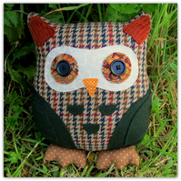 Basil Junior.  23cm tall owl cushion.   Owl pillow.