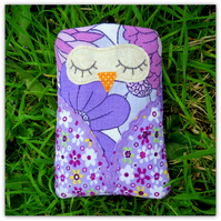 Snoozy Owl.  Mobile sleeve, gadget sleeve.  Internal dimensions: 14cm x 8cm.