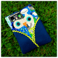 Apple ipad mini sleeve.  Blackberry playbook sleeve.  Intergalactic Owl. School.