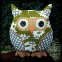Harmony.  A large owl cushion made from a vintage 1960s cotton linen mix fabric.