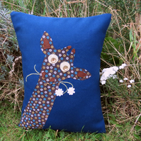 SALE!!!. A quirky giraffe cushion complete with inner cushion pad. Jungle.