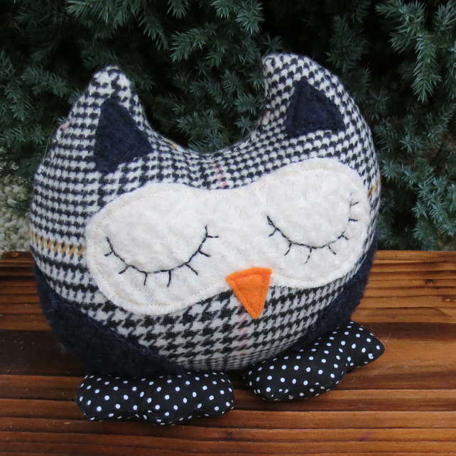 Owl shelf sitter.  Sale!  Humphrey, a snoozy owl doorstop. Owl bookend.