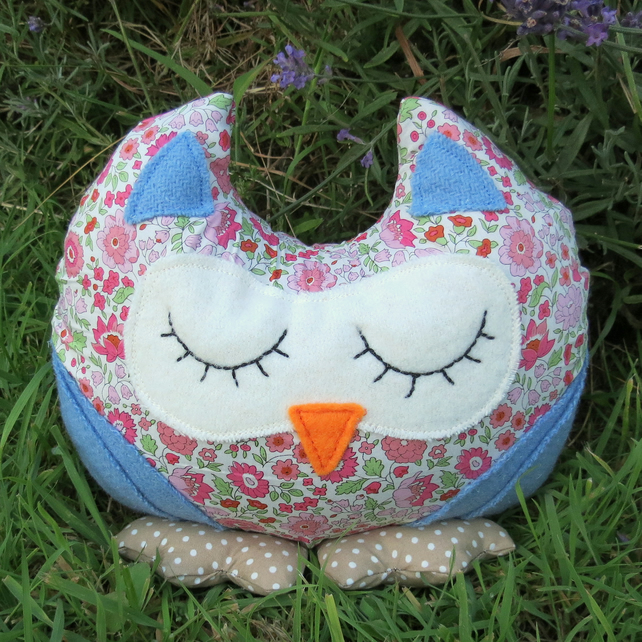 Owl Doorstop.  Sale!  An owl  doorstop made from Liberty Lawn.  Owl Decor.