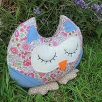 Mabel, a snoozy owl doorstop made from Liberty Lawn.  Owl bookend.