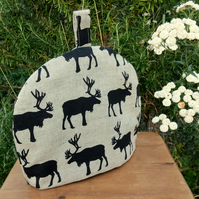 Tea for one!  A tea cosy to fit a one cup teapot.  Reindeer.