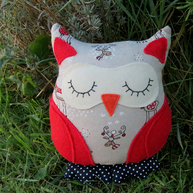 Marley, a festive owl cushion.  25cm tall.  (9.7 inches)  Size small.