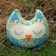 Clara, a snoozy owl doorstop.  Made from Liberty Lawn.