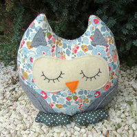 Amelia, a snoozy owl doorstop.  Made from Liberty Lawn.
