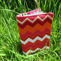 Groovy zigzags.  A passport sleeve with a retro design.