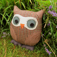 Geoffrey, a tweed owl cushion.  Pure new wool.  35cm tall.