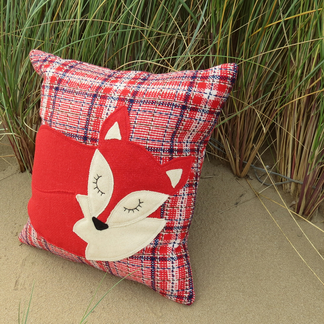 SALE!  Fox Cushion.. A snoozy fox on tartan wool.. Complete with feather pad.