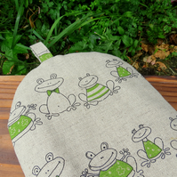 Frogs.  A cafetiere cosy, size small.  To fit a 2 cup cafetiere.  Coffee cosy.