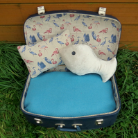 Cat bed.  An vintage suitcase bed with a flamingos design.  Dog bed.