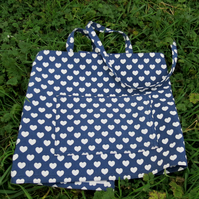 Wraparound Apron.  Craft Apron. A barista style apron with a hearts design.