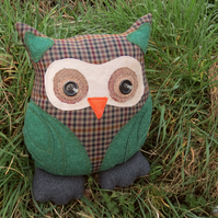 Tweed owl cushion. Pure new wool.  14 inches tall.  Owl pillow.