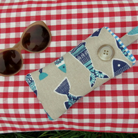 Sunglasses Sleeve.  Glasses Pouch.  Fish Design.