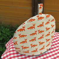 Foxes.  A large tea cosy, made to fit a 4 - 5 cup teapot.  Fox tea cosy.
