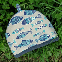 Tea Cosy, size large.  To fit a 4 - 5 cup teapot.  Fish Design.